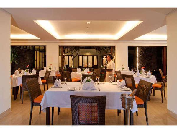 Sense Hotel Seminyak - Restoran