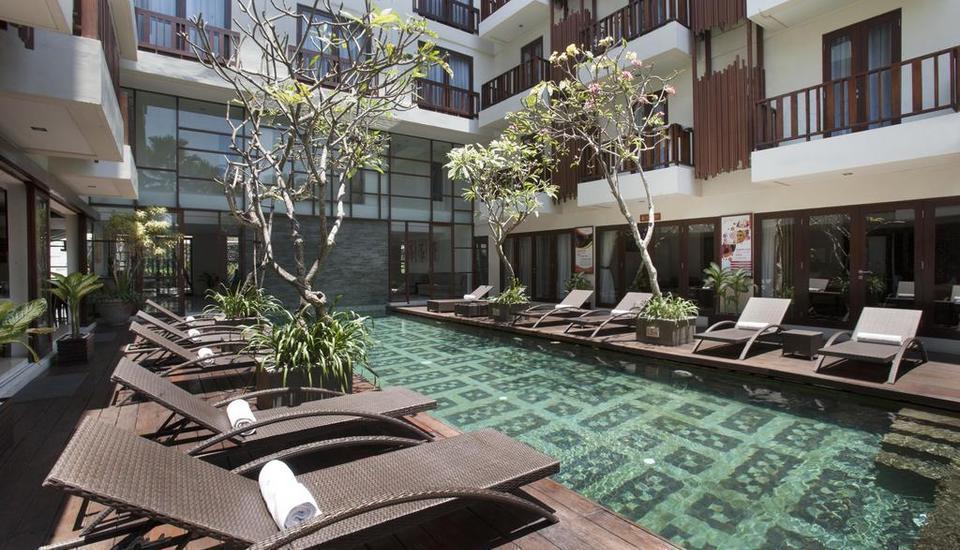 Sense Hotel Seminyak - Kolam Renang