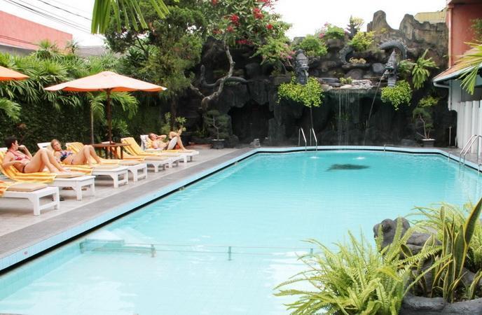 Hotel Puri Artha Yogyakarta - Kolam Renang