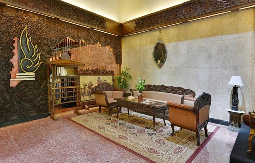Hotel Puri Artha Yogyakarta - Lobi