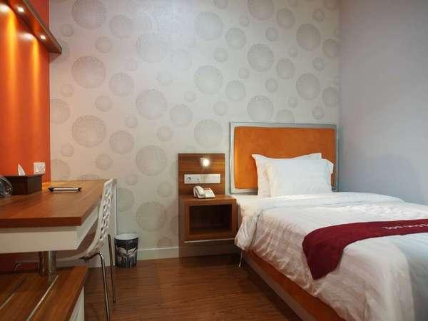 Hotel Bed andBreakfast Surabaya - Kamar Single Reguler
