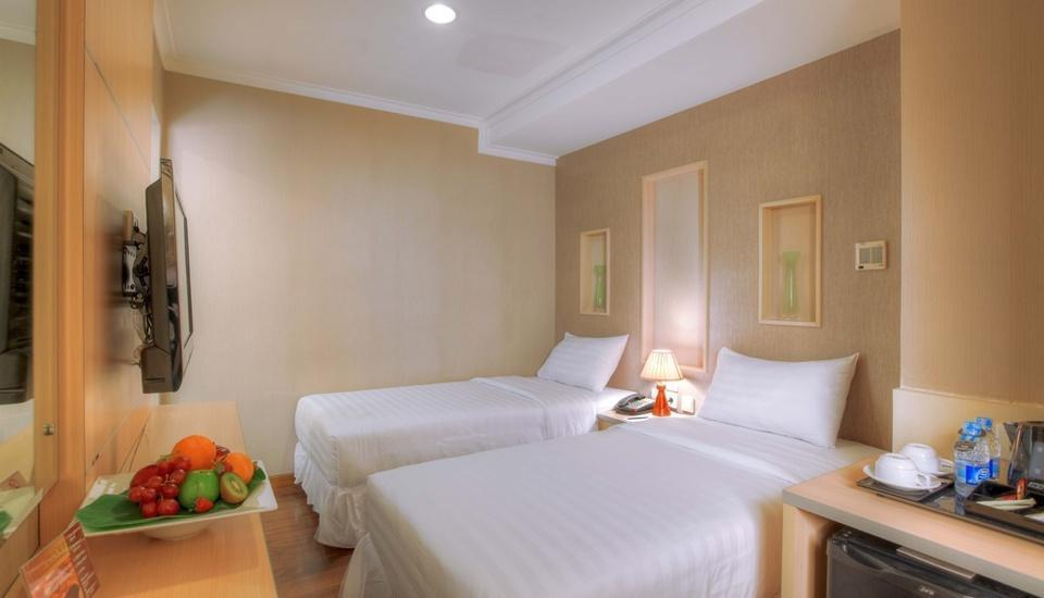 Amos Cozy Hotel Melawai - Classic Room