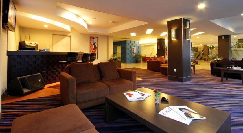 Hotel Marlin Pekalongan - Lobi