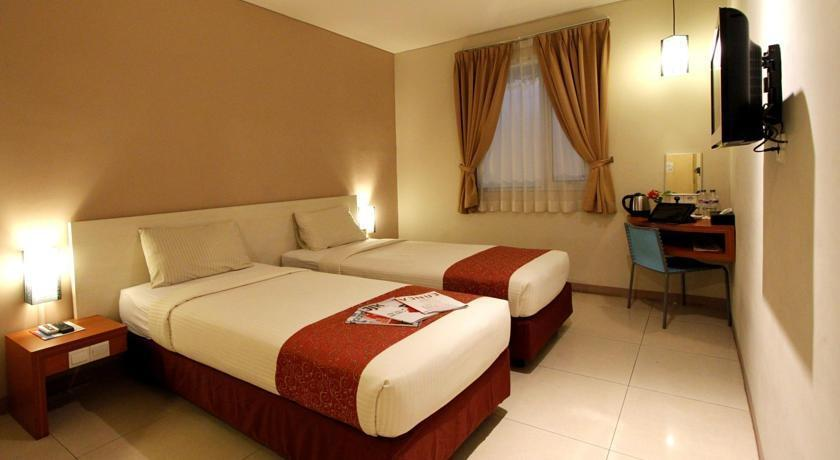 Hotel Marlin Pekalongan - Standard Twin - Room Only Regular Plan
