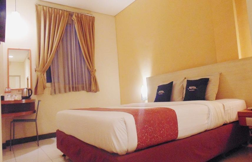 Hotel Marlin Pekalongan - Deluxe Double Room Regular Plan