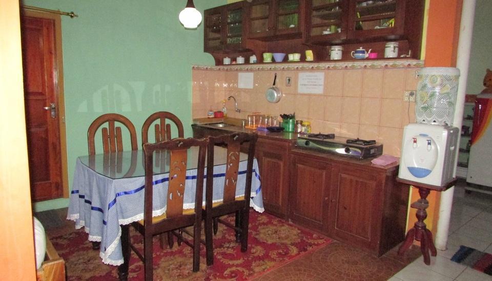 Ortegha Homestay Wonosobo - Dapur dan Ruang Makan