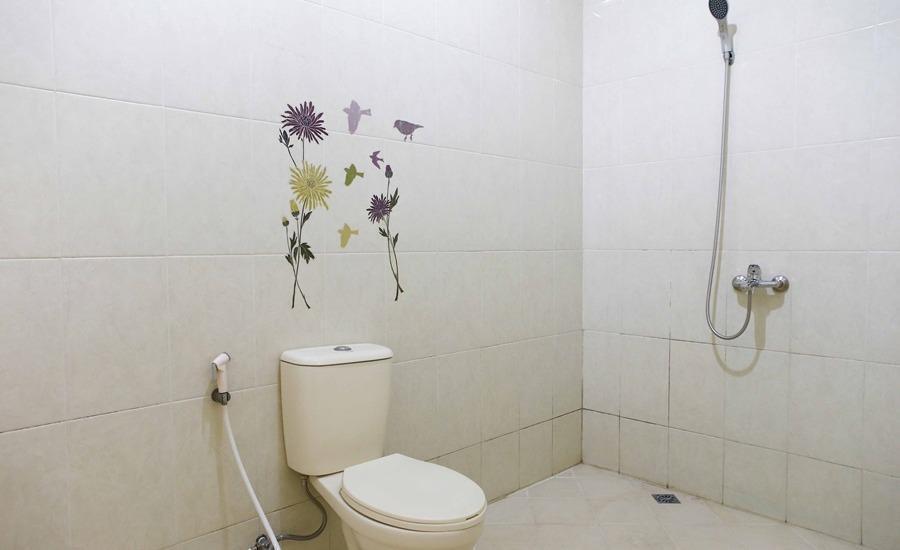 RedDoorz @Cilandak Tengah Jakarta - Kamar mandi