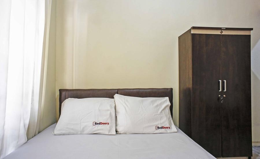 RedDoorz @Cilandak Tengah Jakarta - Kamar tamu
