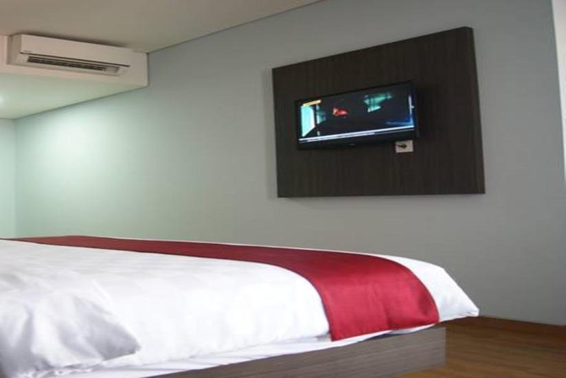 Merapi Merbabu Hotel Bekasi - Kamar tamu