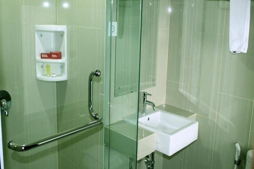 Merapi Merbabu Hotel Bekasi - Deluxe Save 15%