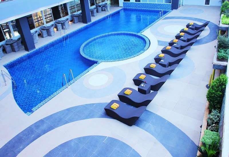 Merapi Merbabu Hotel Bekasi - Kolam Renang