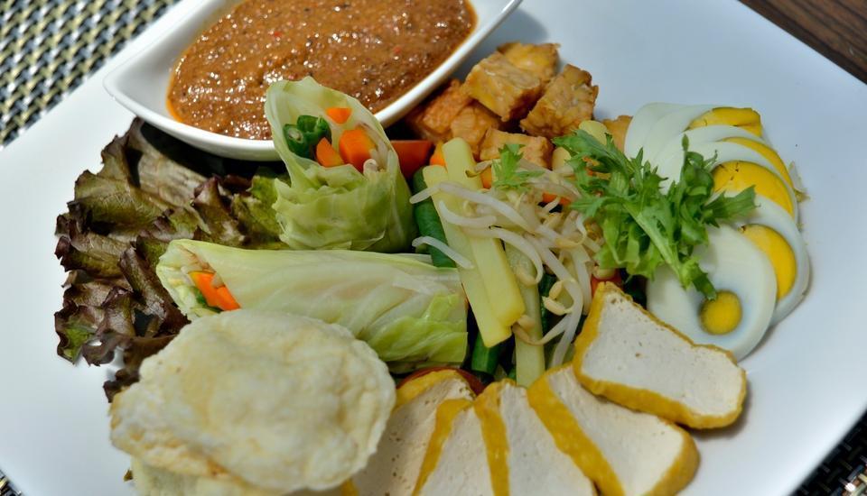 Hotel California Bandung - Food & Beverage
