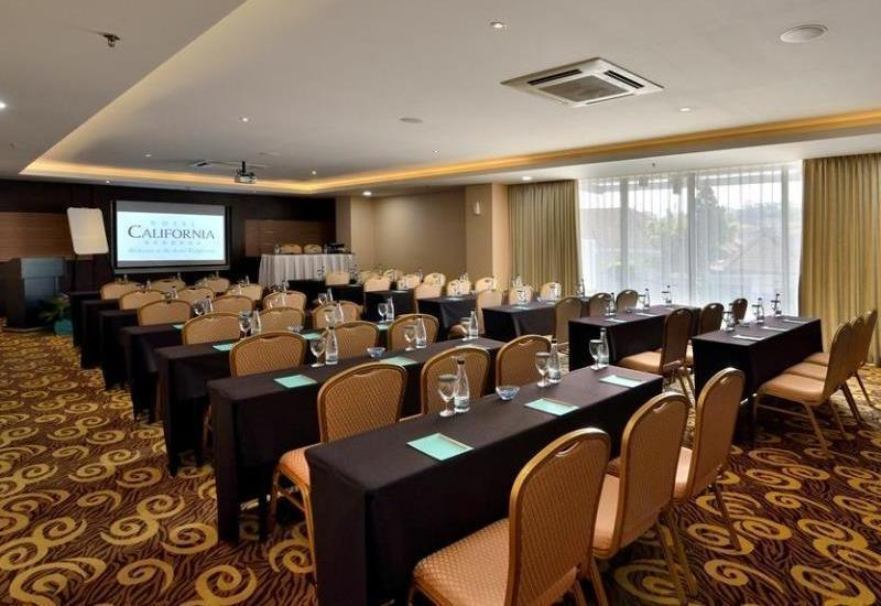 Hotel California Bandung - Meeting Room