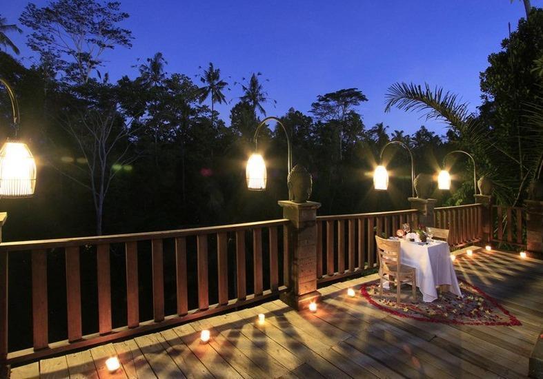 Tapa Kawi Villas Bali - Makan malam romantis