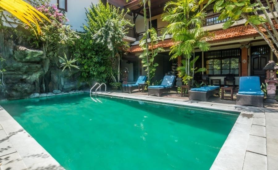 ZenRooms Sanur Danau Toba Bali - Kolam Renang