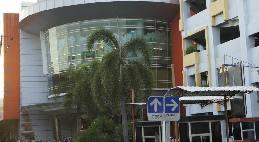 Crown Hotel Lombok - Exterior