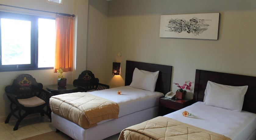 Crown Hotel Lombok - Guest Room