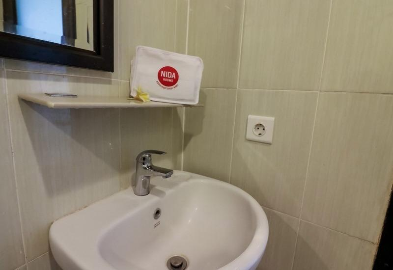 NIDA Rooms Pura Demak Denpasar - Kamar mandi