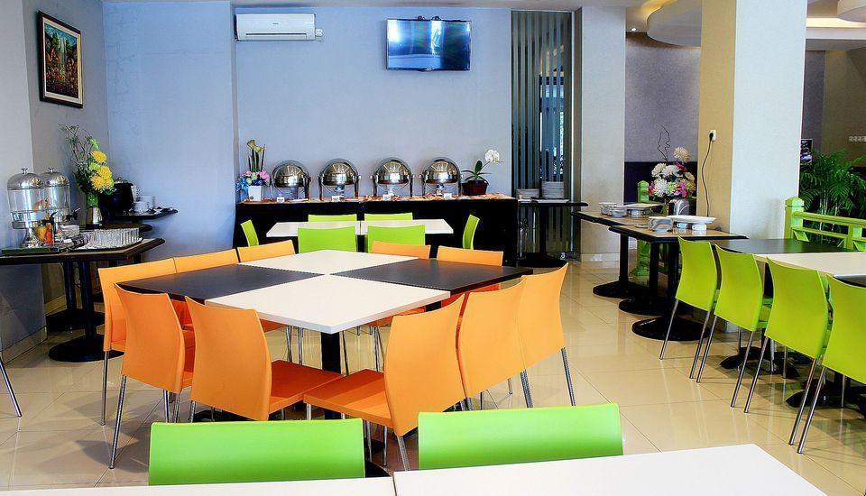 ZenRooms Lengkong Gatot Subroto - Restoran