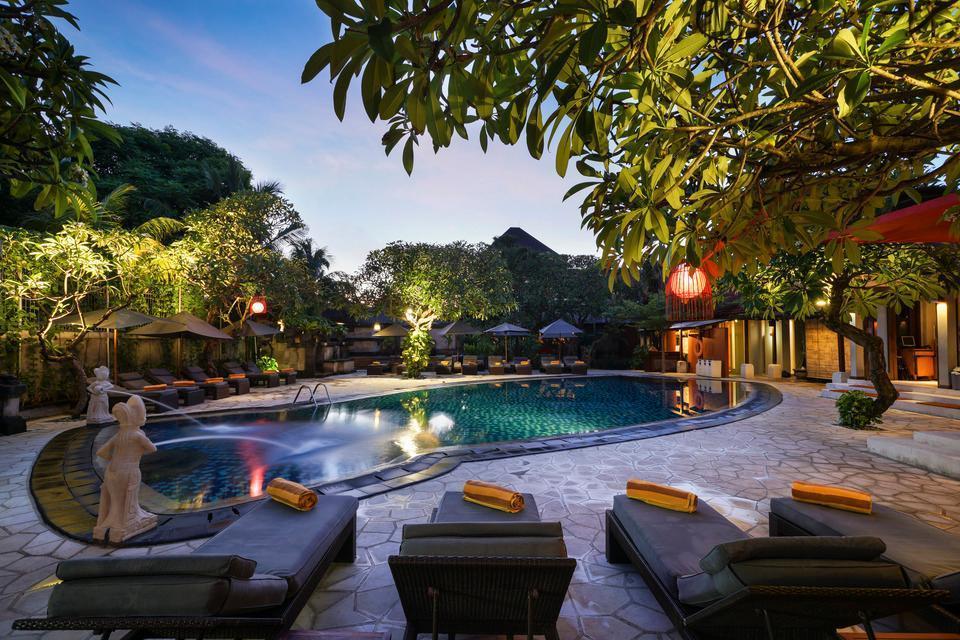 Kuta Seaview Hotel Bali - Swimming Pool