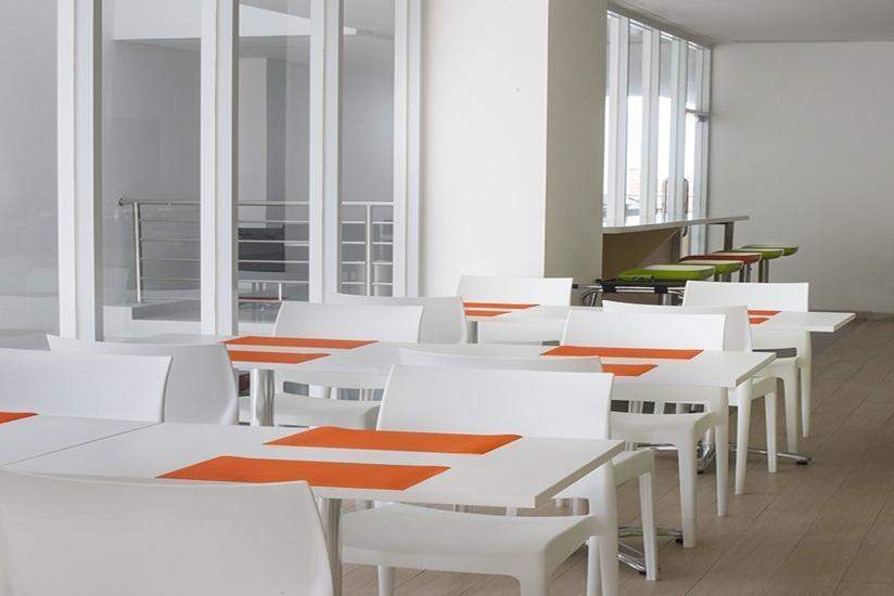 Zest Hotel Bogor - Ruang makan