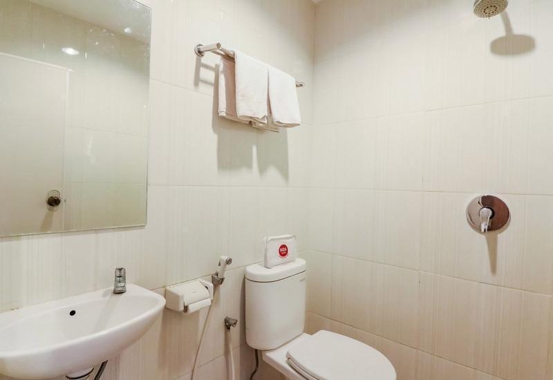 NIDA Rooms Makassar Ahmad Yani - Kamar mandi