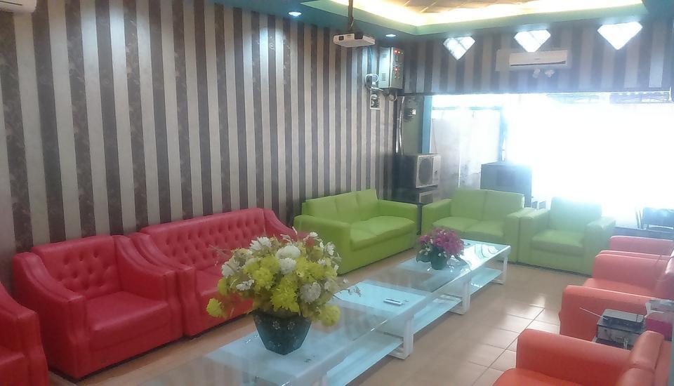 Paninda Hotel Keluarga Medan - Ruang tunggu untuk Bebas Rokok