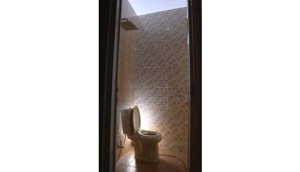 DENOFE HOUSE Cirebon - Bathroom