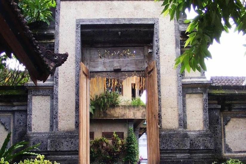 Jalan Jalan Villa and Spa Bali - Pintu masuk