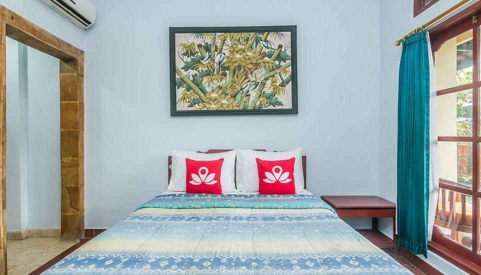 ZenRooms Tanjung Benoa Pratama 3 Bali - Tampak tempat tidur double