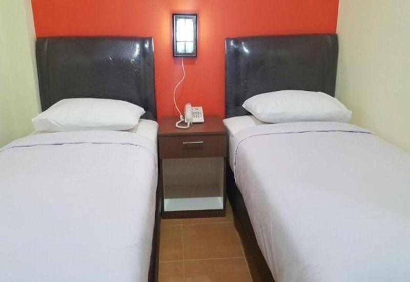 Guesthouse Grand Avira Ambon - Superior Twin Room Regular Plan