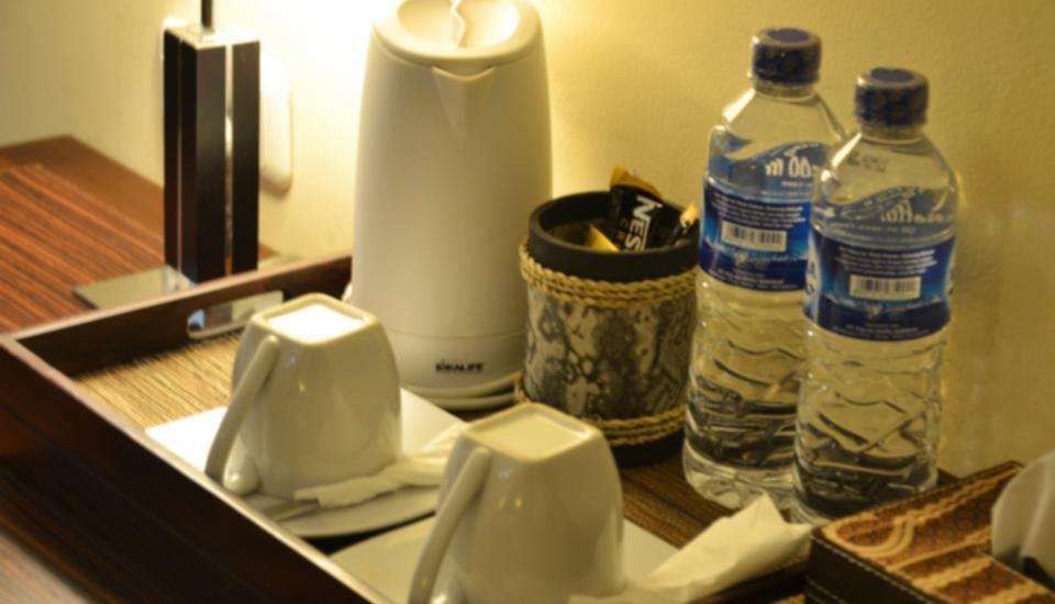 Arsela Hotel Pangkalan Bun Kotawaringin Barat - Fasilitas membuat kopi dan teh