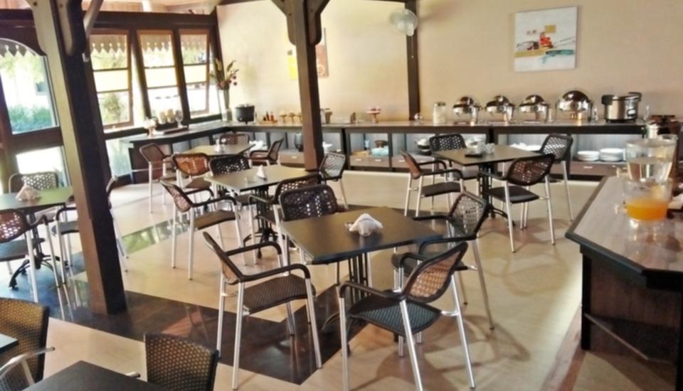 Arsela Hotel Pangkalan Bun Kotawaringin Barat - Area sarapan