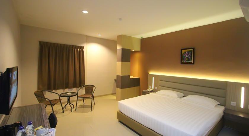 Lovina Inn Batam Centre Batam - Deluxe Room Save 20% with 10% F&B Discount