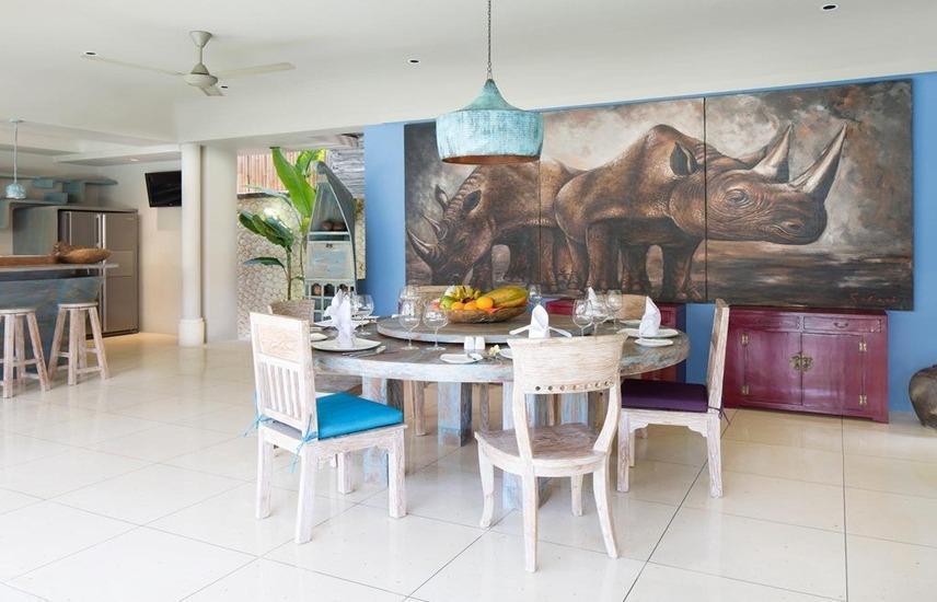 Villa Sky Li by Nagisa Bali Bali - Ruang makan