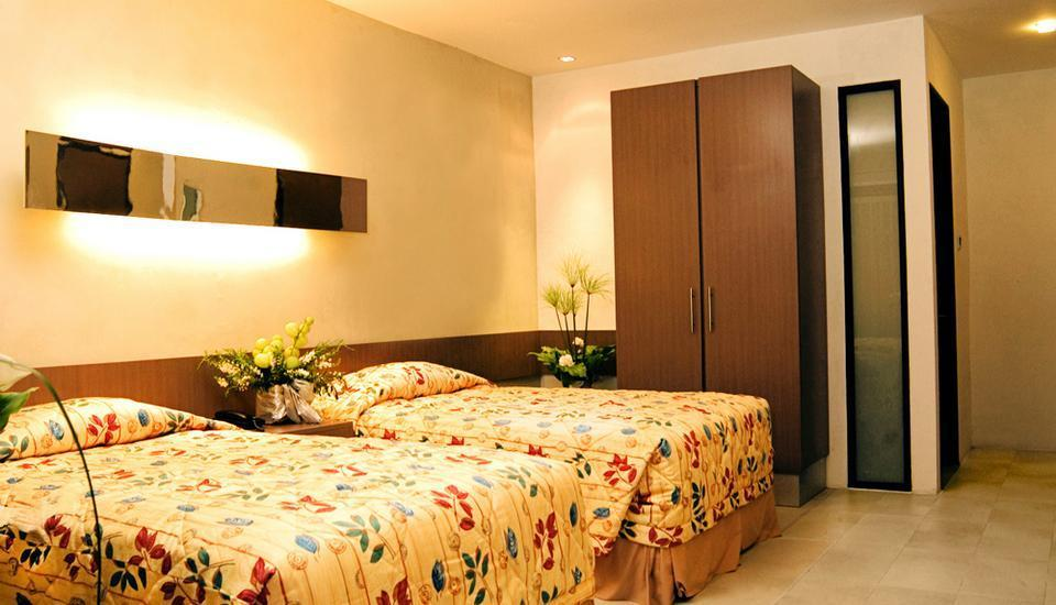 Mikie Holiday Resort Medan - Family Room