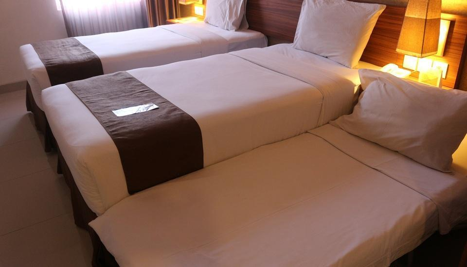 h Boutique Hotel Yogyakarta - Tripple Family Deluxe Twin Bedroom with Extrabed  4D3N Triple Room Promo - 30% Off