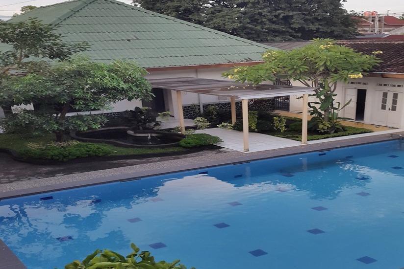 Putra Jaya Hotel Yogyakarta - Kolam Renang