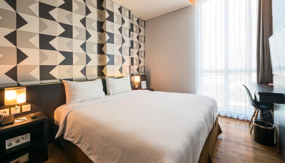 Luminor Hotel Surabaya - Deluxe Room Regular Plan