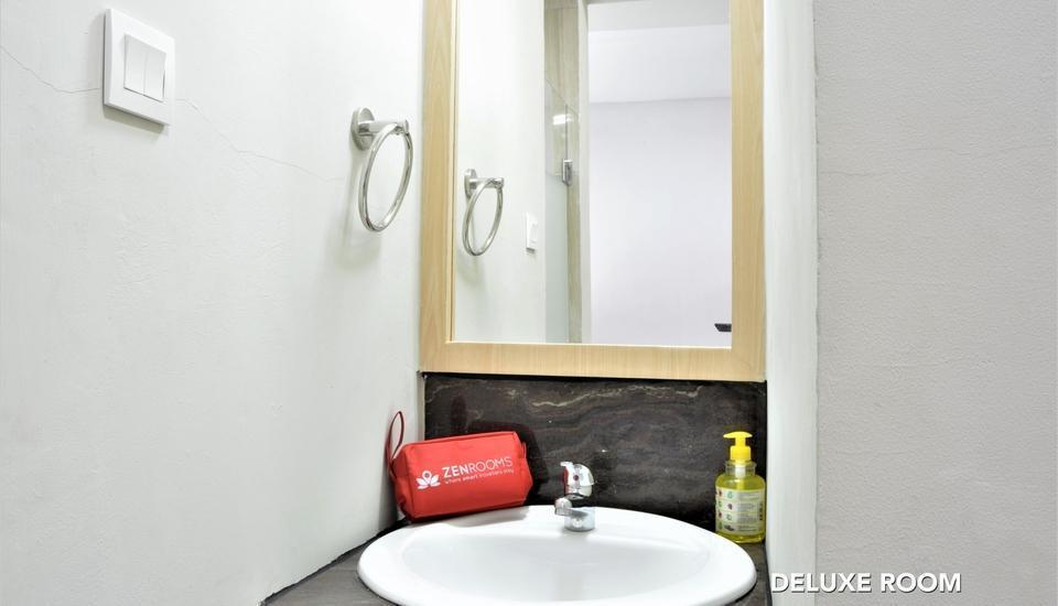 ZEN Rooms Fatmawati Jakarta - Deluxe Bathroom 1