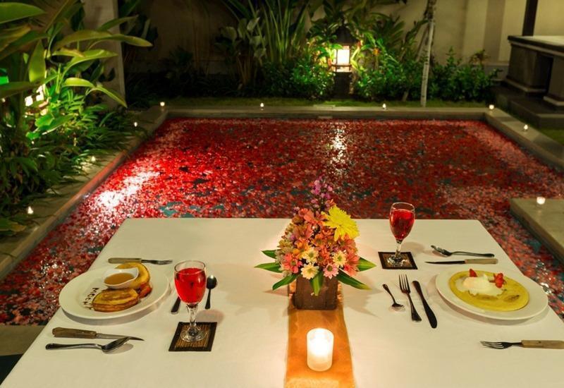 Kubal Villa Bali - Makan malam romantis