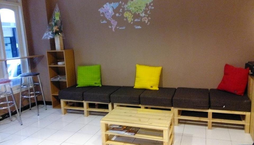 The Hostel Surabaya - Interior