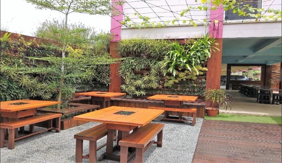 Richard's Home Pontianak - Outdoor Restaurant