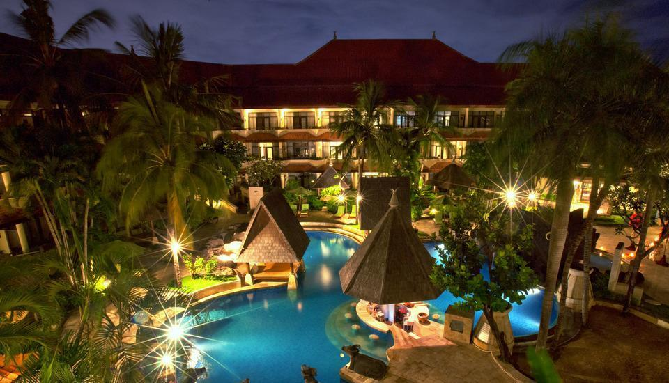 The Tanjung Benoa Beach Resort Bali - Pool at night
