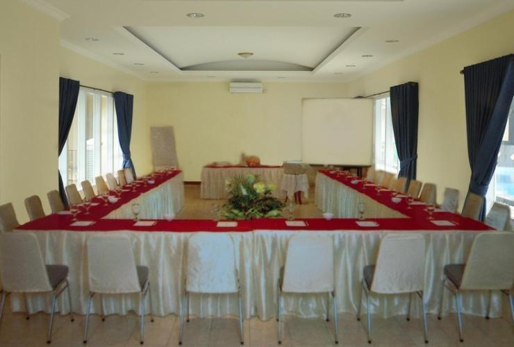 RCK Resort Puncak - Meeting Room