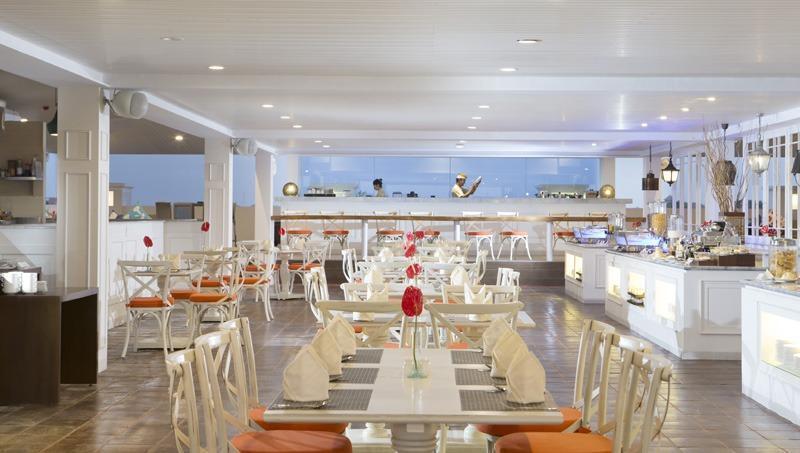 Hotel Santika Seminyak - restaurant
