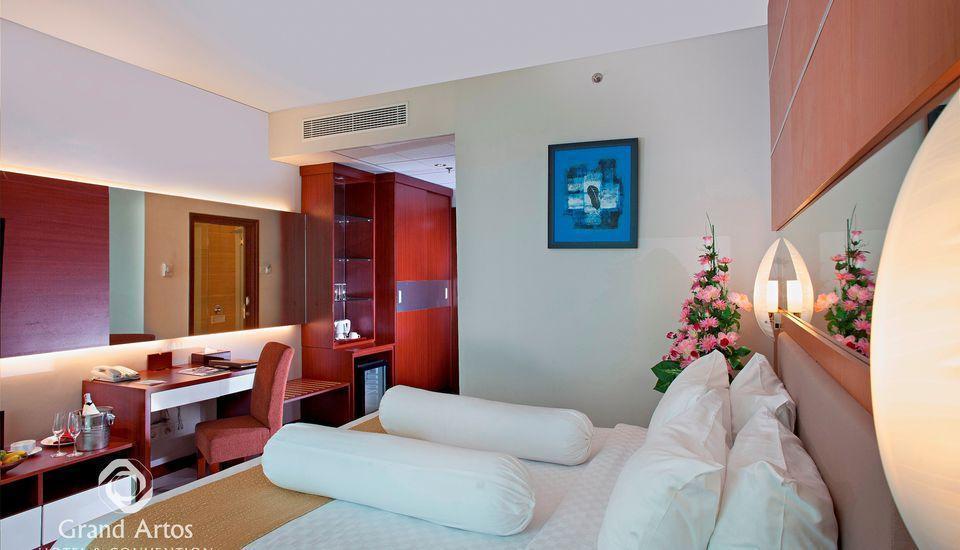 Hotel Grand Artos Magelang - Superior Queen