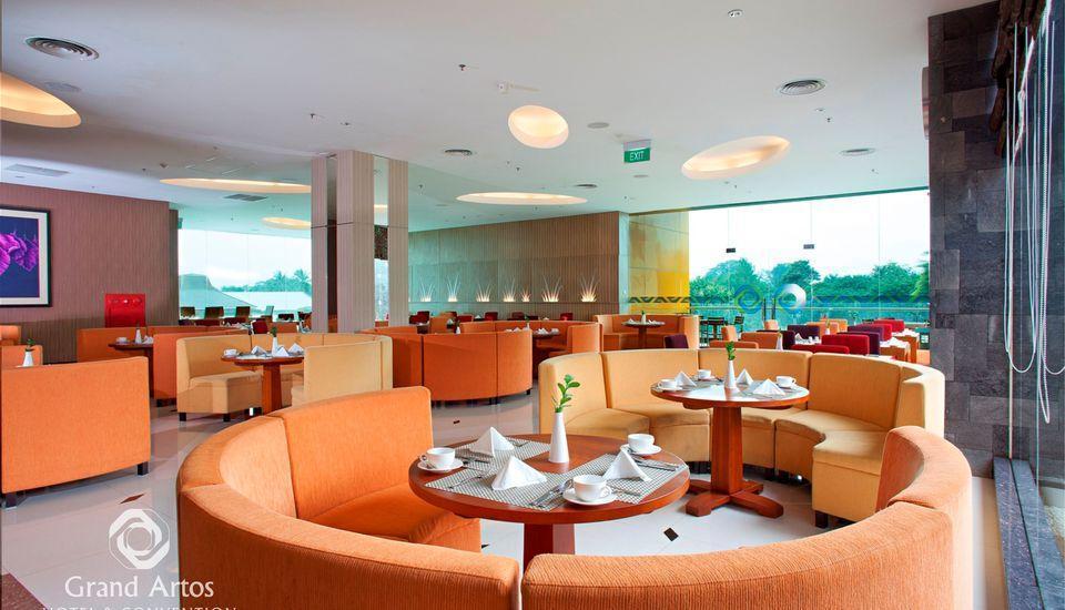 Hotel Grand Artos Magelang - Pandan Coffeeshop