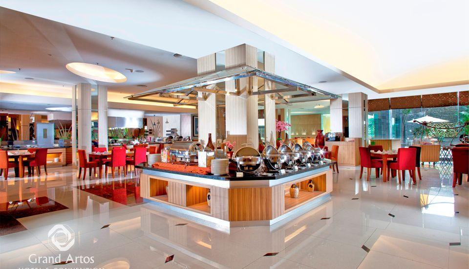 Hotel Grand Artos Magelang - Pandan COffeeshop Kitchen