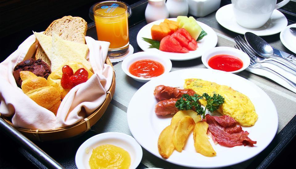 Hotel Grand Artos Magelang - Breakfast